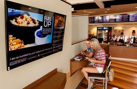 让你的数字标牌网络广告机在餐厅能够更吸睛?(图文)